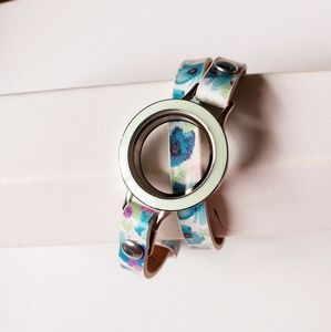 Origami Owl Wrap bracelet with locket